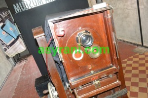 036 old school camera